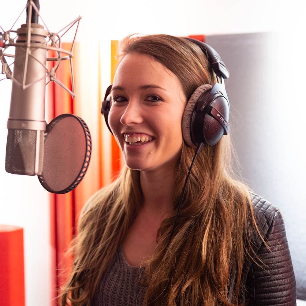 Charlotte Voets at SoundReplay recording studio